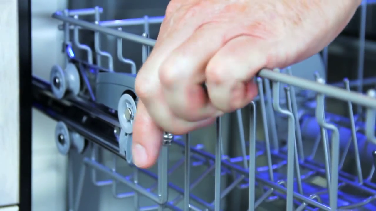 Thermador: Dishwasher Top Rack Adjustments