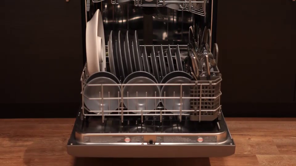 Maytag: Dishwasher