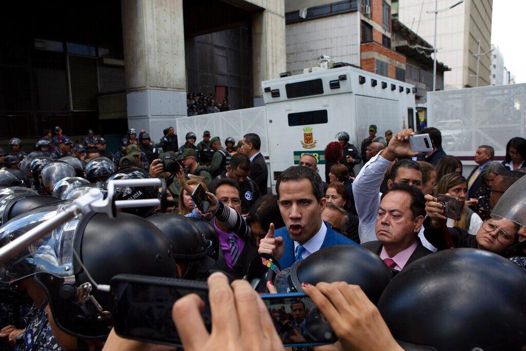 Venezuela's Guaidó blocked from congressional