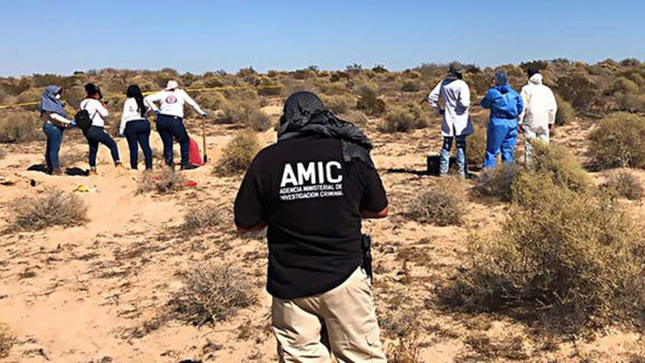 Mexican officials uncover more bodies
