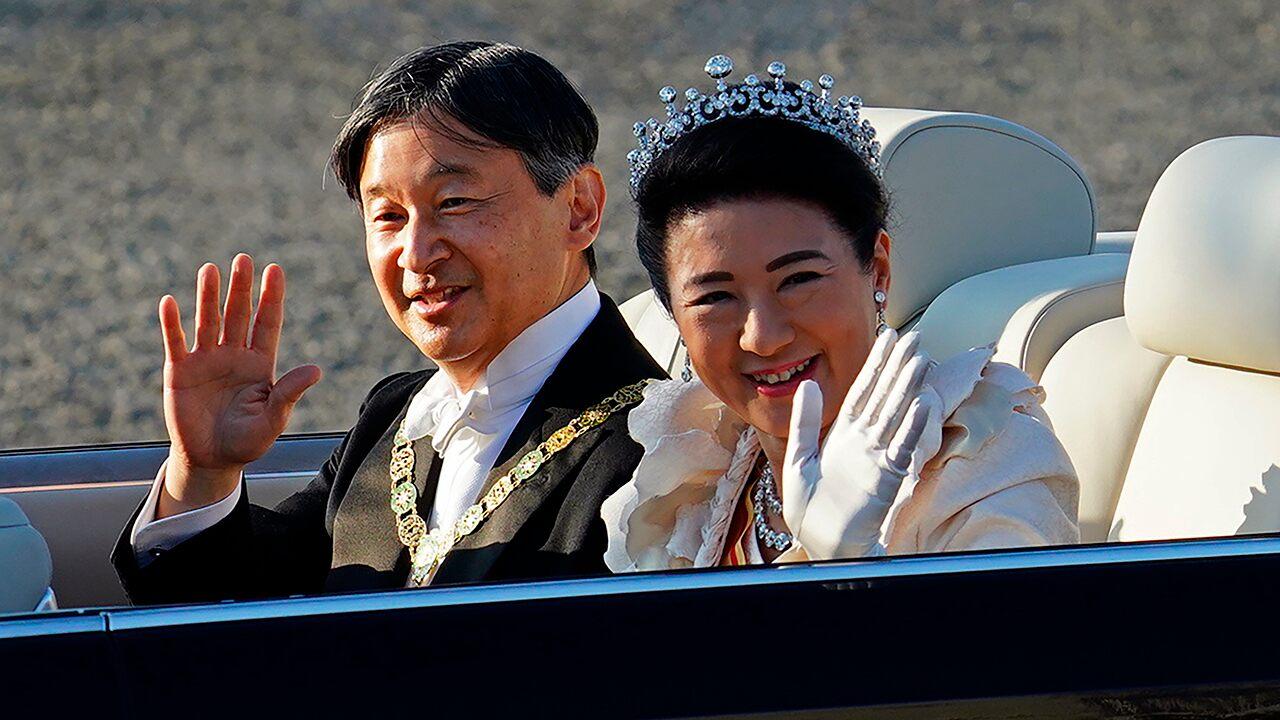 Japan emperor greets public in