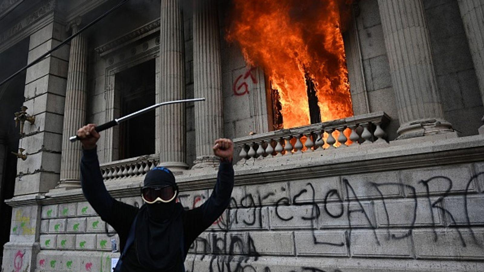 Congress building set on fire