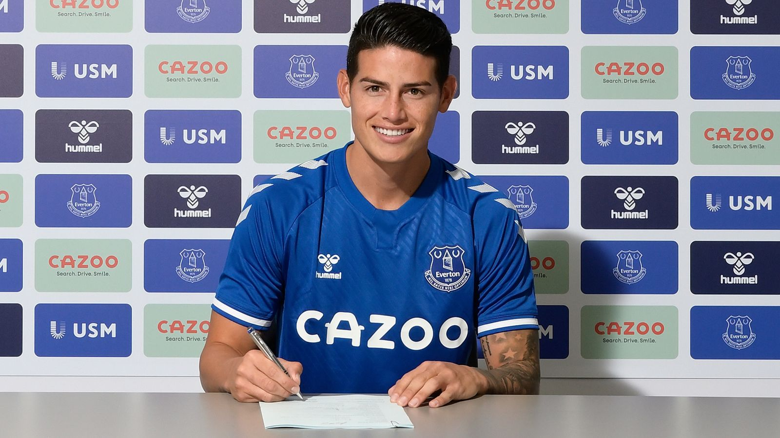 Everton sign James from Real