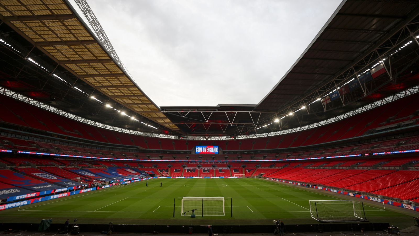 8,000 spectators to be allowed