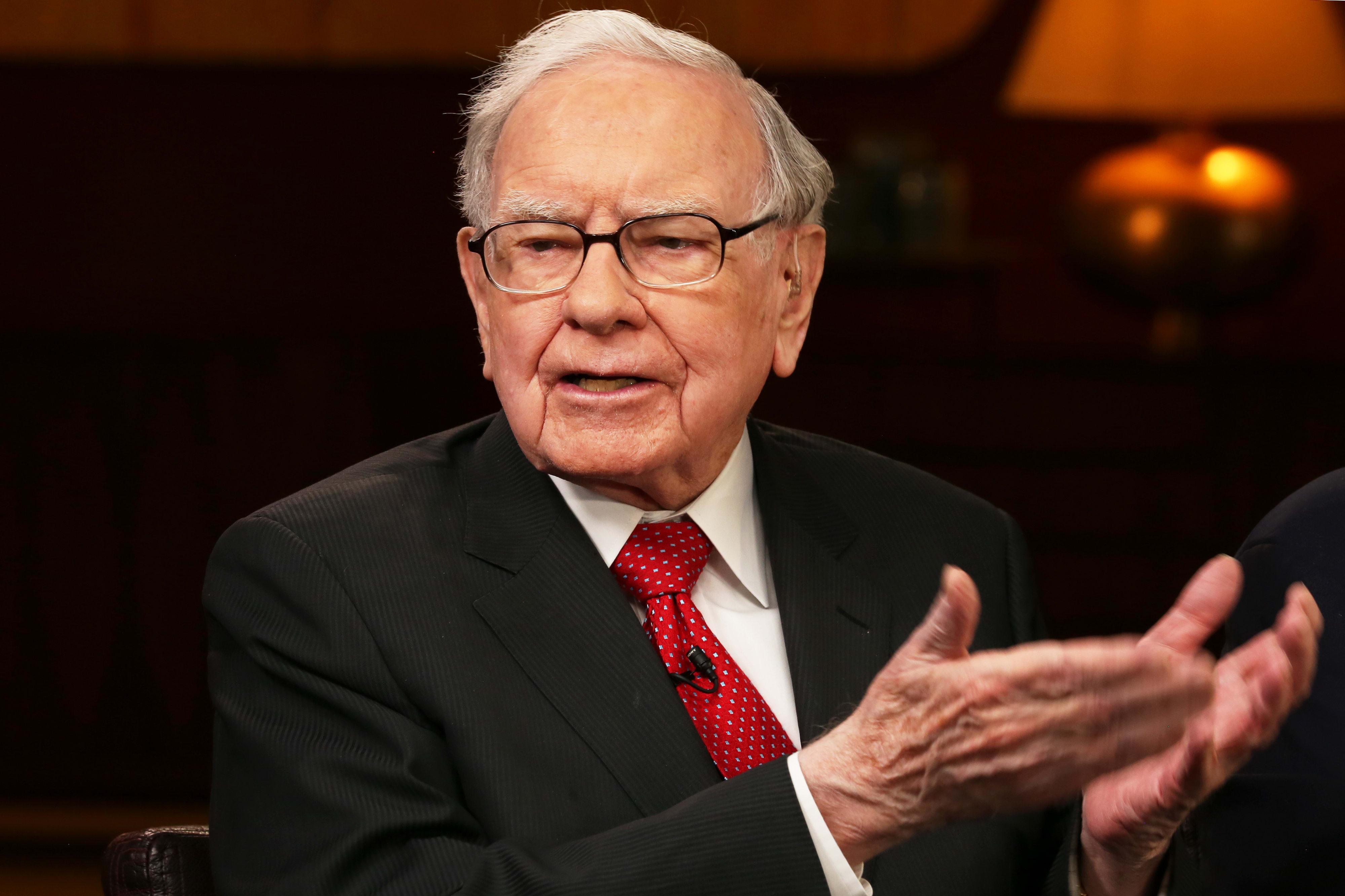 Buffett buys back a record