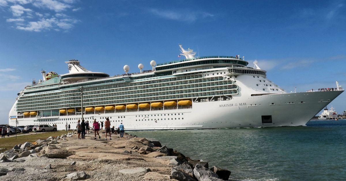 Royal Caribbean suspends US cruise