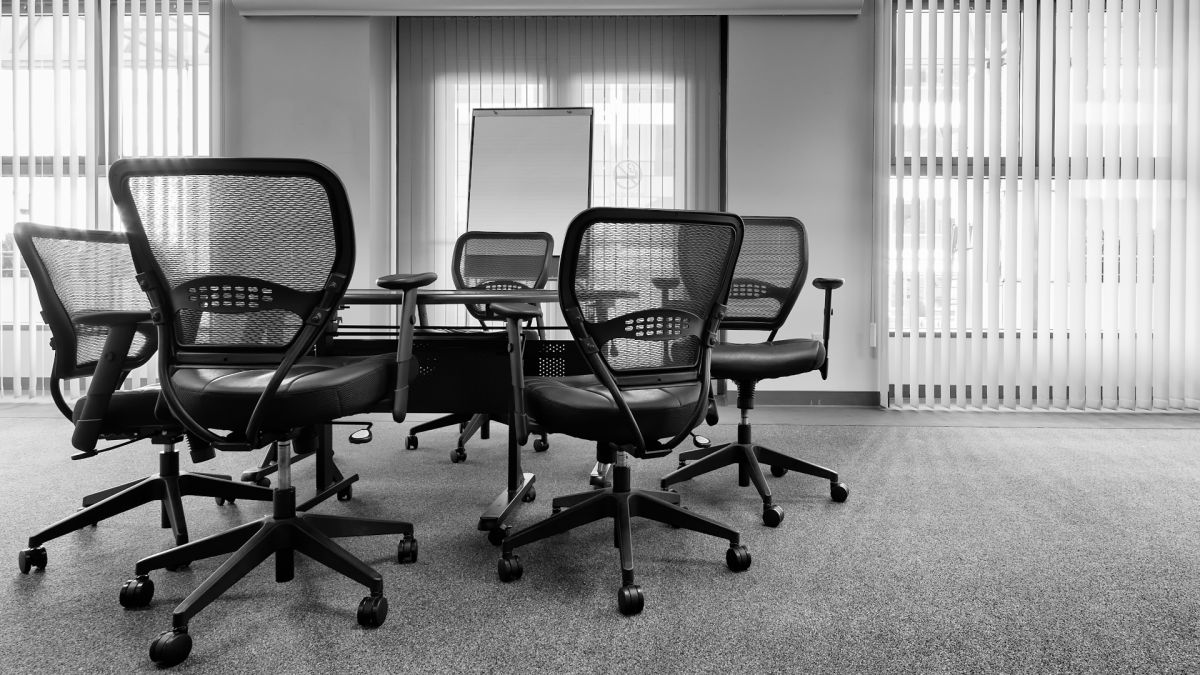 7 essential office chair