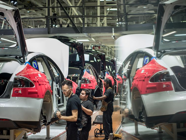 Tesla plant to reportedly stay