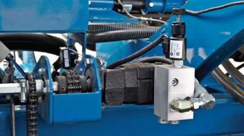 Kinze Planter Features Hydraulic Drive720