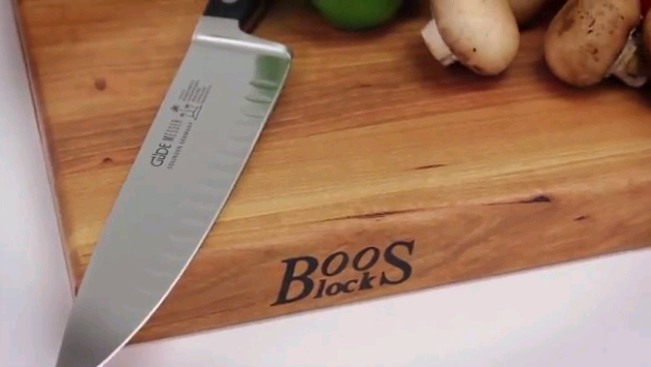 Boos maple cutting board and knife