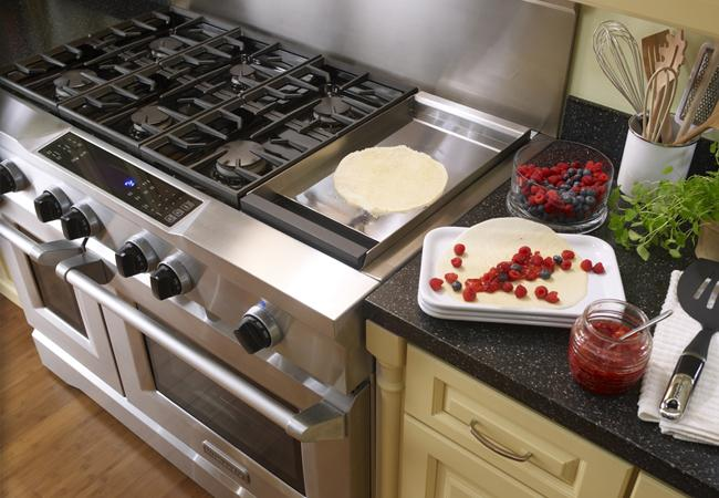 ProFeatures PersonalStyle KitchenAid Commercial Style Range