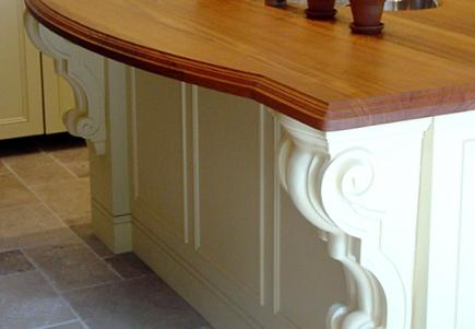 A snack bar with decorative corbels