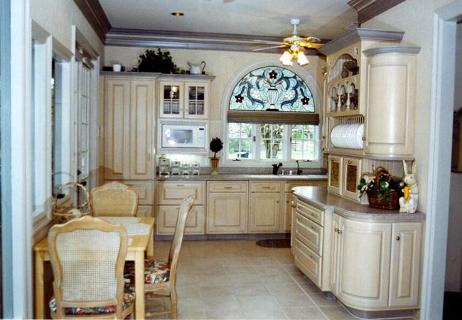 Coastal Colonial Kitchen with Oyster Bay Finished Cabinets