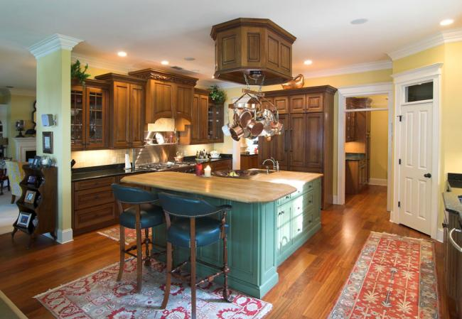 accent color on a kitchen island