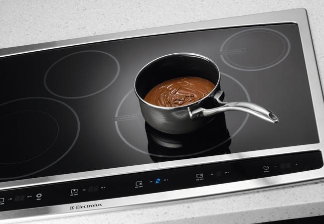 ProFeatures PersonalStyle Electrolux Hybrid Cooktop