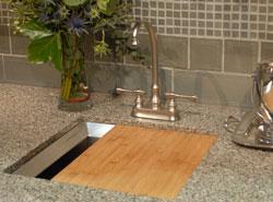 Centerset bar faucet