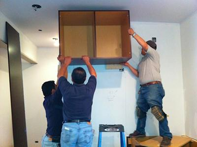 Remodeling-with-Tracy-Tony-How-to-hang-wall-cabinets