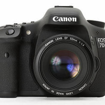 Rent Canon 7D with Batteries and Media