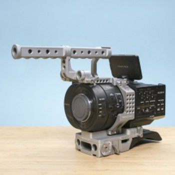 Rent Sony NEX-FS700R