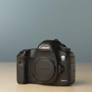 Rent Canon EOS 5D MarkIII