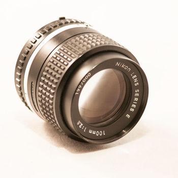 Rent Nikon 100mm f/2.8