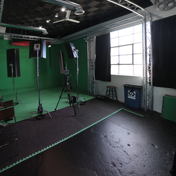 Rent Green Screen Room Studio Space (Hourly, Daily Bookings Available)
