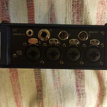 Rent Zoom f8 Mixer