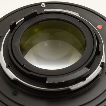 Rent Zeiss / Contax  T* Distagon 1.4 / 35 MM lens with EOS adapter