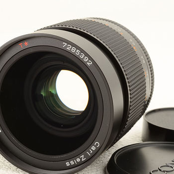 Rent Zeiss / Contax T* Planar 1.4 / 35 and 2.8 / 25 MM MMJ lenses with EOS adapters