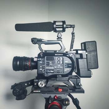 Rent Sony FS-7
