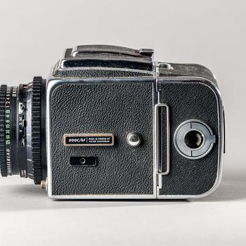 Rent Hasselblad 500C/M w/ Zeiss Planar 80mm 1:2.8 lens