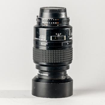 Rent Nikon AF Micro Nikkor 105mm f/2.8 D