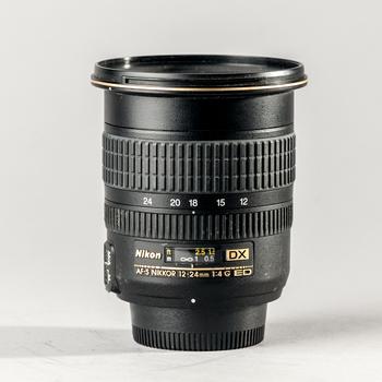 Rent Nikon AF-S Nikkor 12-24mm f/4 lens