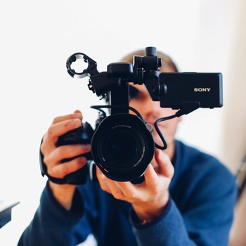 Rent Camera Operator / DP- 10 Hour day rate