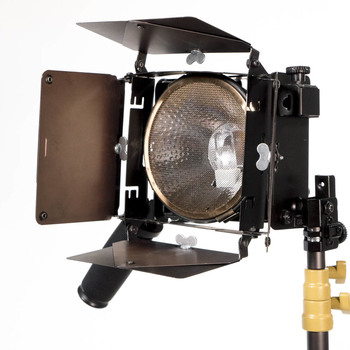 Rent Lowel 500W Omni Light w/barn doors