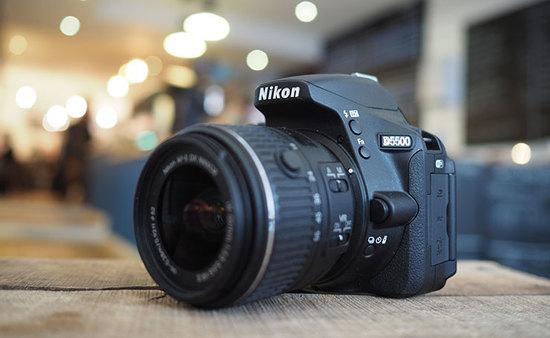 Nikon d5500 hero angled 740