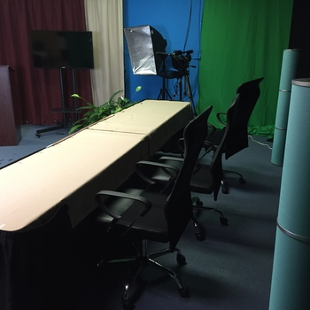 Rent Television Studio (Fully Equipped)