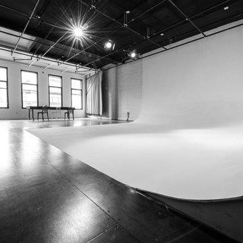 Rent Studio 123 Bowery
