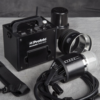 Rent Profoto 600B battery strobe kit