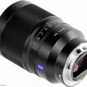 Rent Sony Zeiss ZA Distagon 35mm F/1.4 Full Frame E Mount Lens