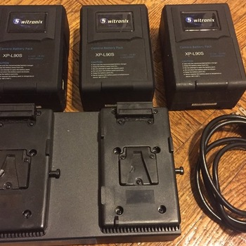 Rent 4 - Swintronix XP-L90S V-Mount Batteries  WITH V Mount Charger