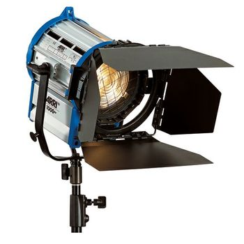 Rent Arri 1K Fresnel with Barndoors, Scrim Kit and C-Stand