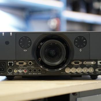 Rent Sony VPL FHZ55