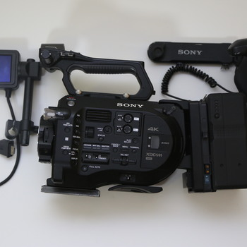 Rent FS7 + Lens + Batteries + Media Kit