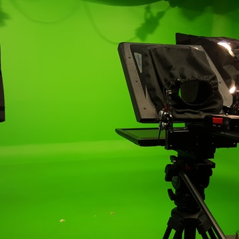 Rent 400 sq ft Green Screen Studio