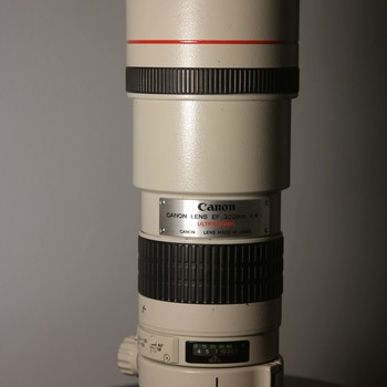 Rent Canon 300mm EF f/4 USM
