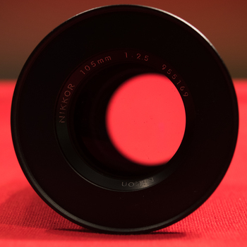 Rent Nikon Nikkor 105mm f/2.5 ais