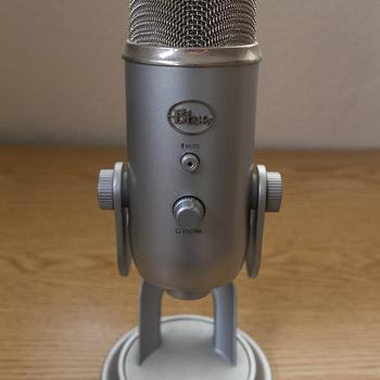Rent Blue Microphones Yeti USB