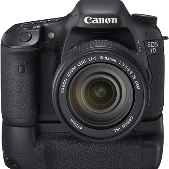 Rent Canon EOS 7D with Battery Grip and 2 Batteries