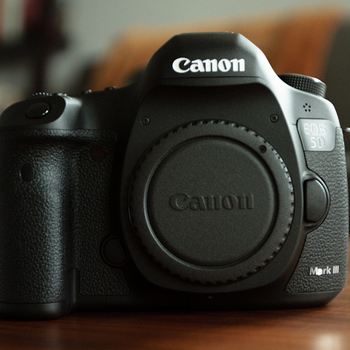 Rent Canon 5D Mark III + Accessories for your shoot